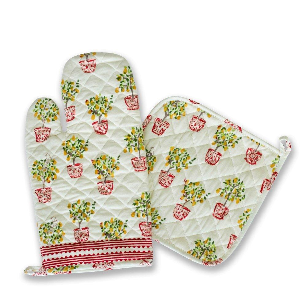 cloth oven mitt and potholder set with pear tree print