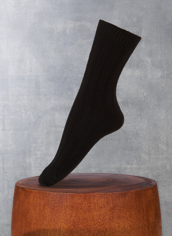 Women's Ribbed Short 75% Cashmere Sock in Black