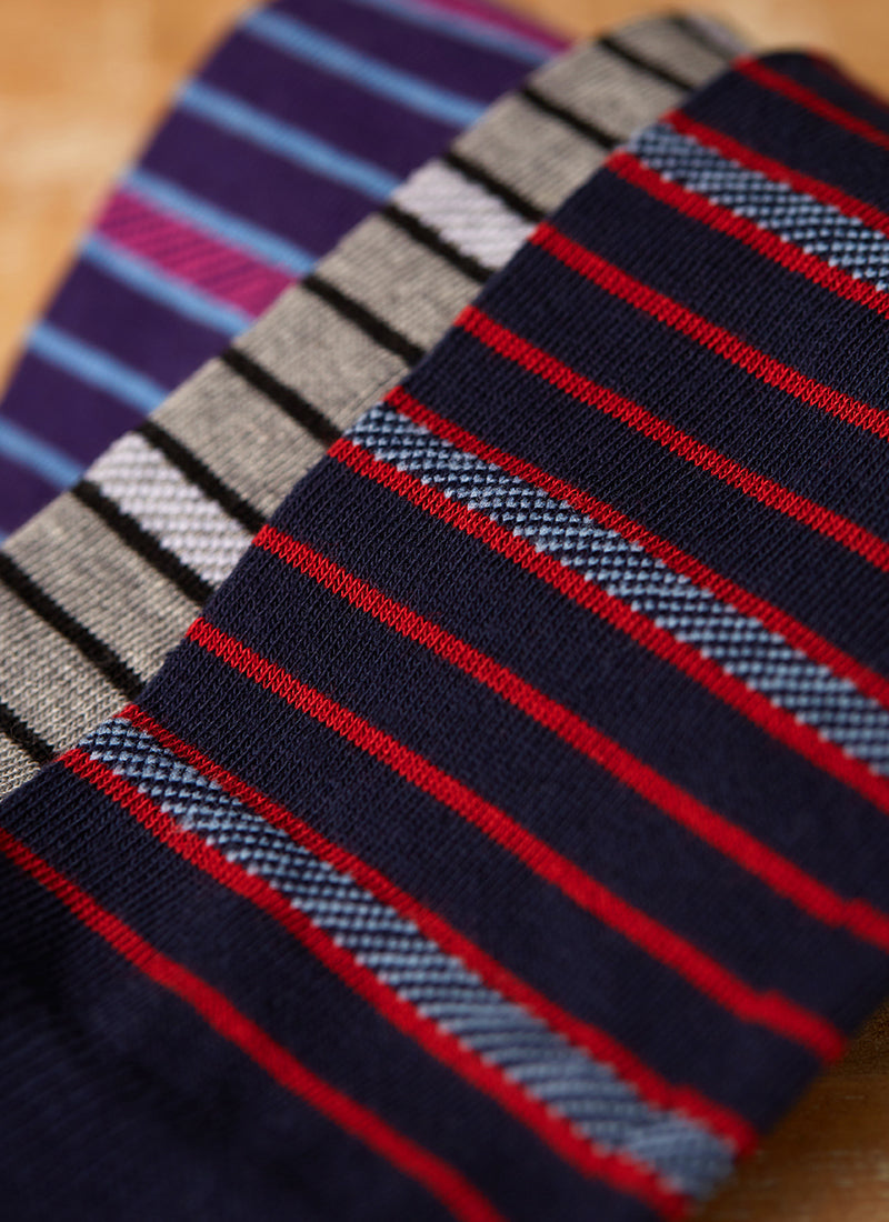 Dashed Simple Stripe Sock  in Navy