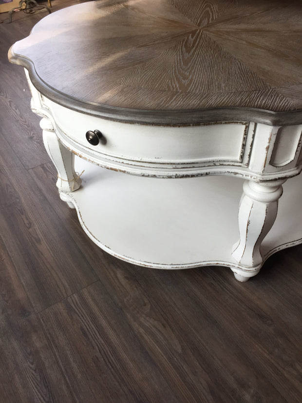 Coffee table - Delight In Designs