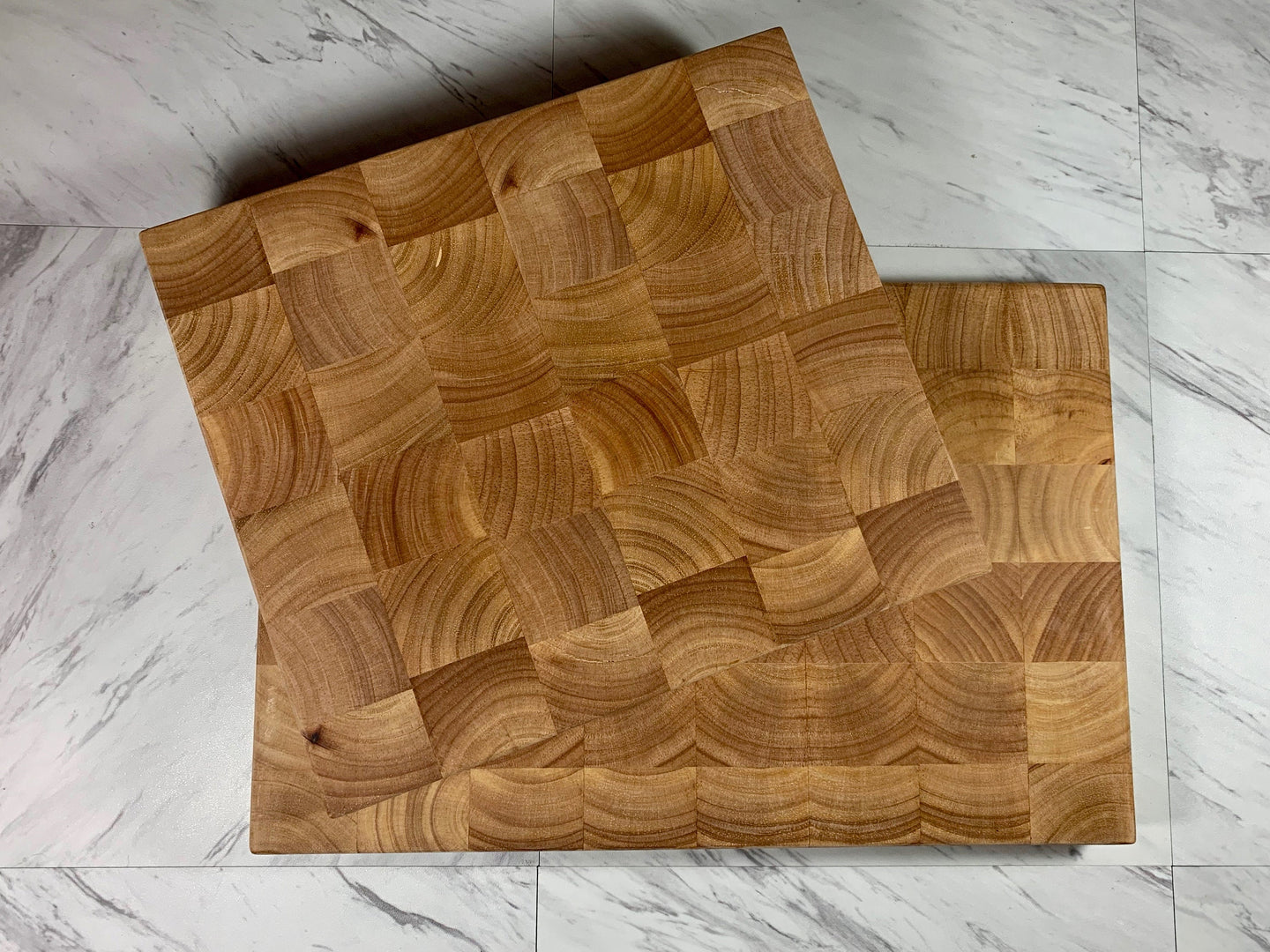 End Grain Cutting Board - Hevea Wood