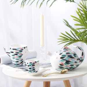 Kissy Fish Tea Set