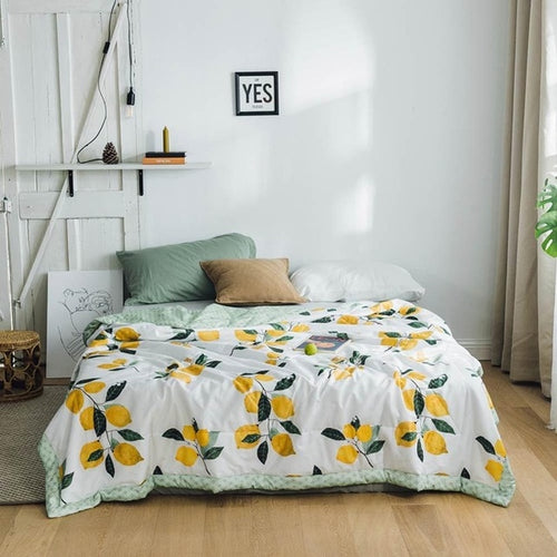 Lemon Garden Lightweight Quilt - Moonova Home