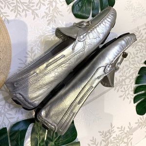Saks 5th Avenue Silver Tone Drivers Loafer Size 8