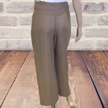 Load image into Gallery viewer, Armani Collezioni Wide Leg Pants Size 2