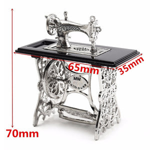1pcs Mini Vintage Sewing Machine Doll House Doll Cloth Model Accessories Home Furniture Toy Crafts Decoration