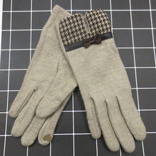 Load image into Gallery viewer, Elegant Wool Gloves