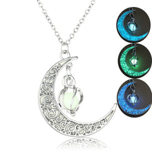 Load image into Gallery viewer, Hollowed-Out Spiral Moonlight Pendant