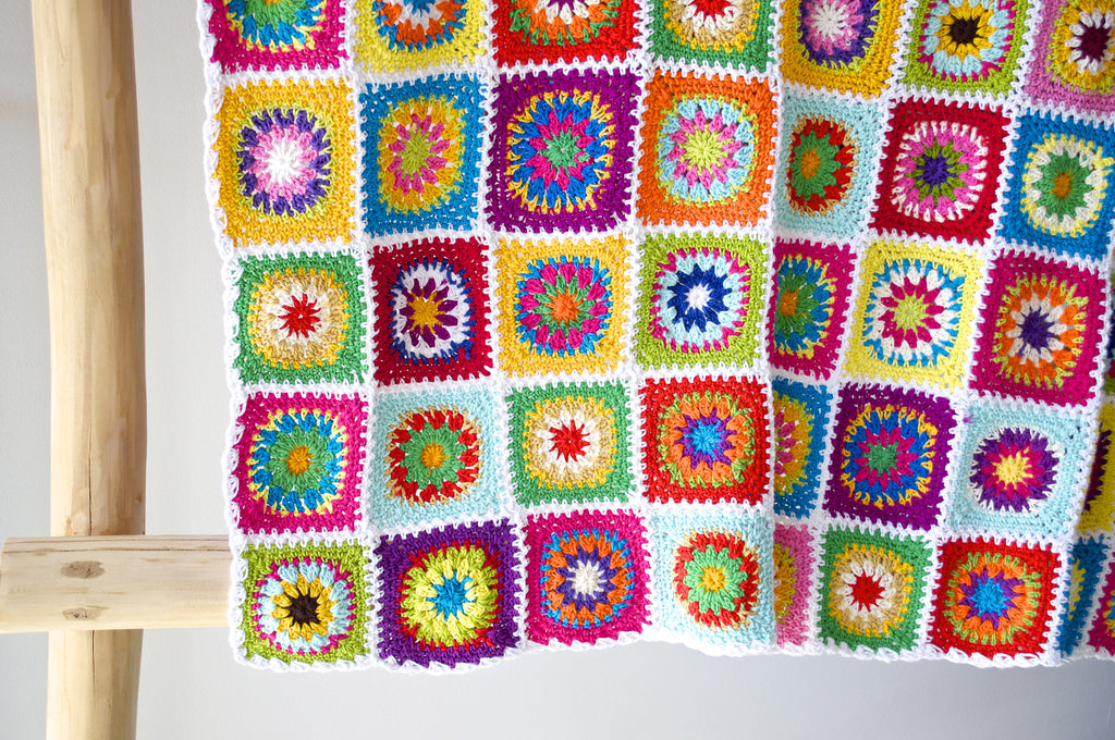 SNOW WHITE CROCHET COT BLANKET
