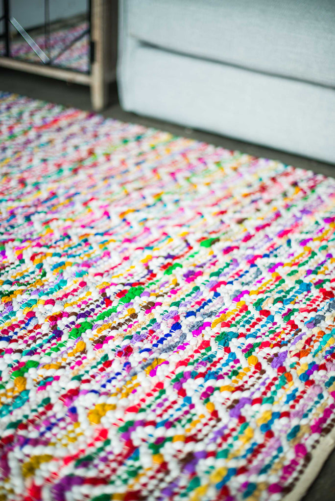 WHITE AND COLOURED CHEVRON RUG