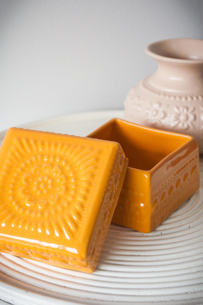 EMBOSSED FLOWER BOX - TANGERINE