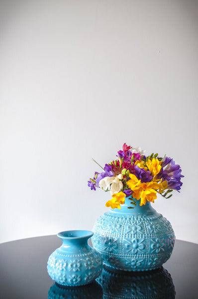 EMBOSSED FLOWER VASE - BABY BLUE