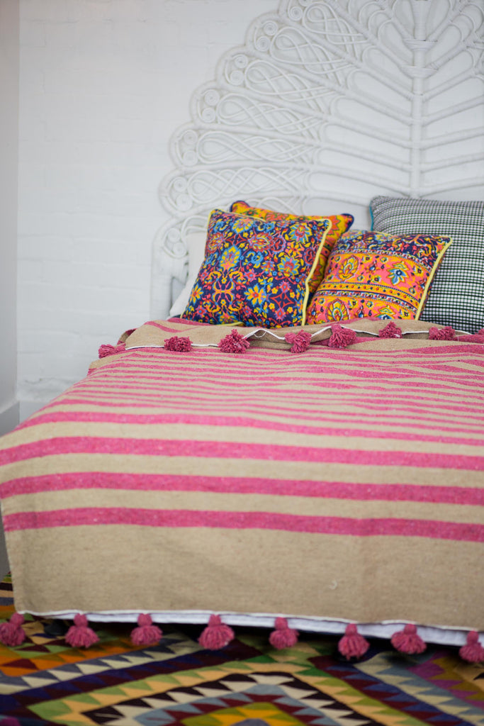 NATURAL WITH PINK STRIPE MOROCCAN BLANKET