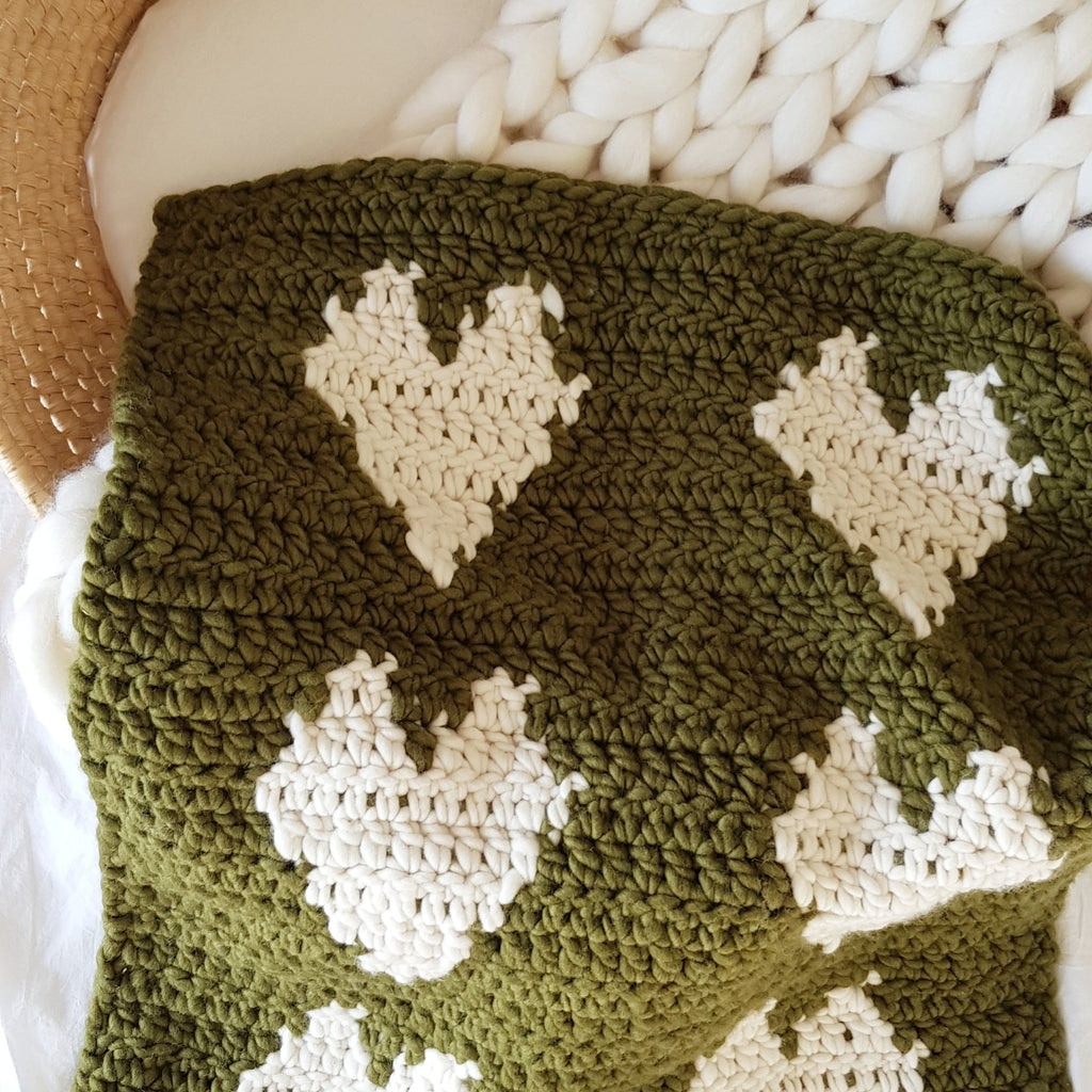 FREE DOWNLOAD | Large Heart Baby Blanket
