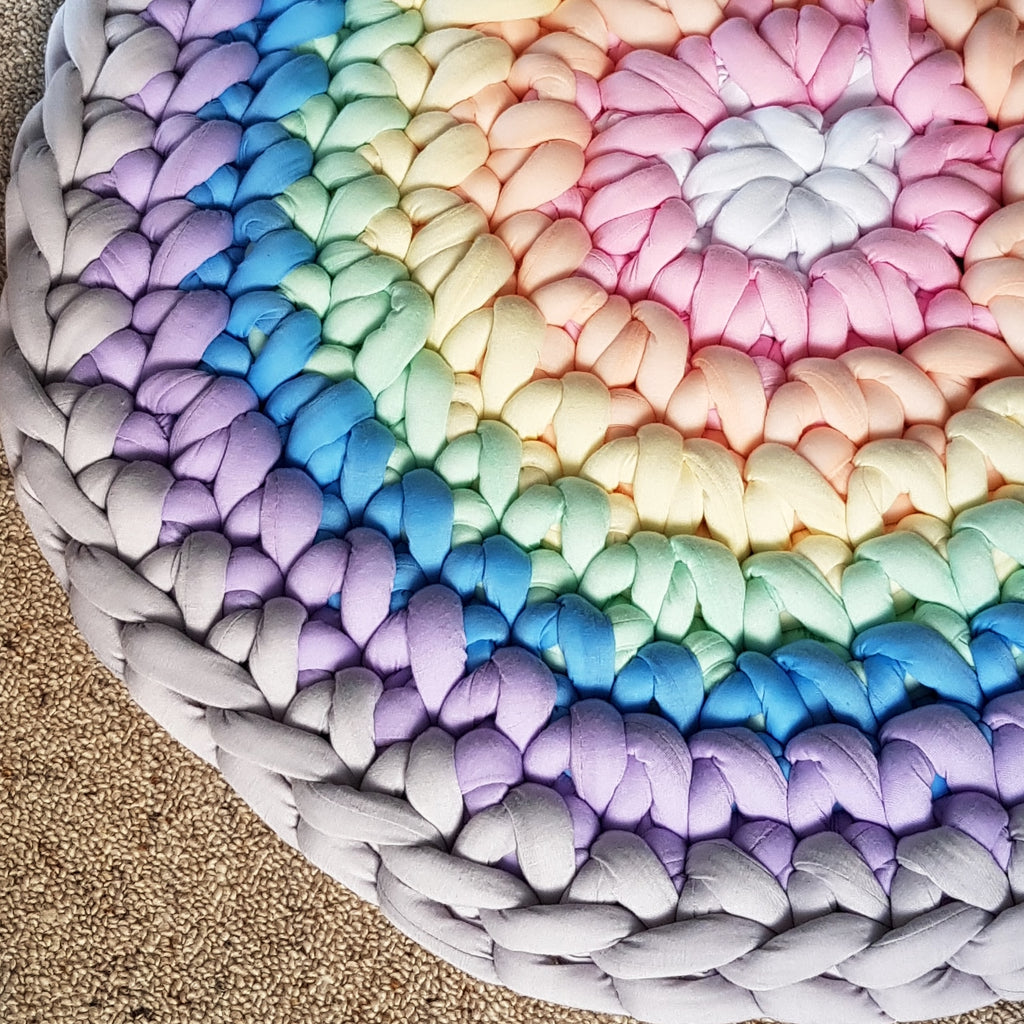 Tube Yarn Round Rug | Reverse Rainbow Sample