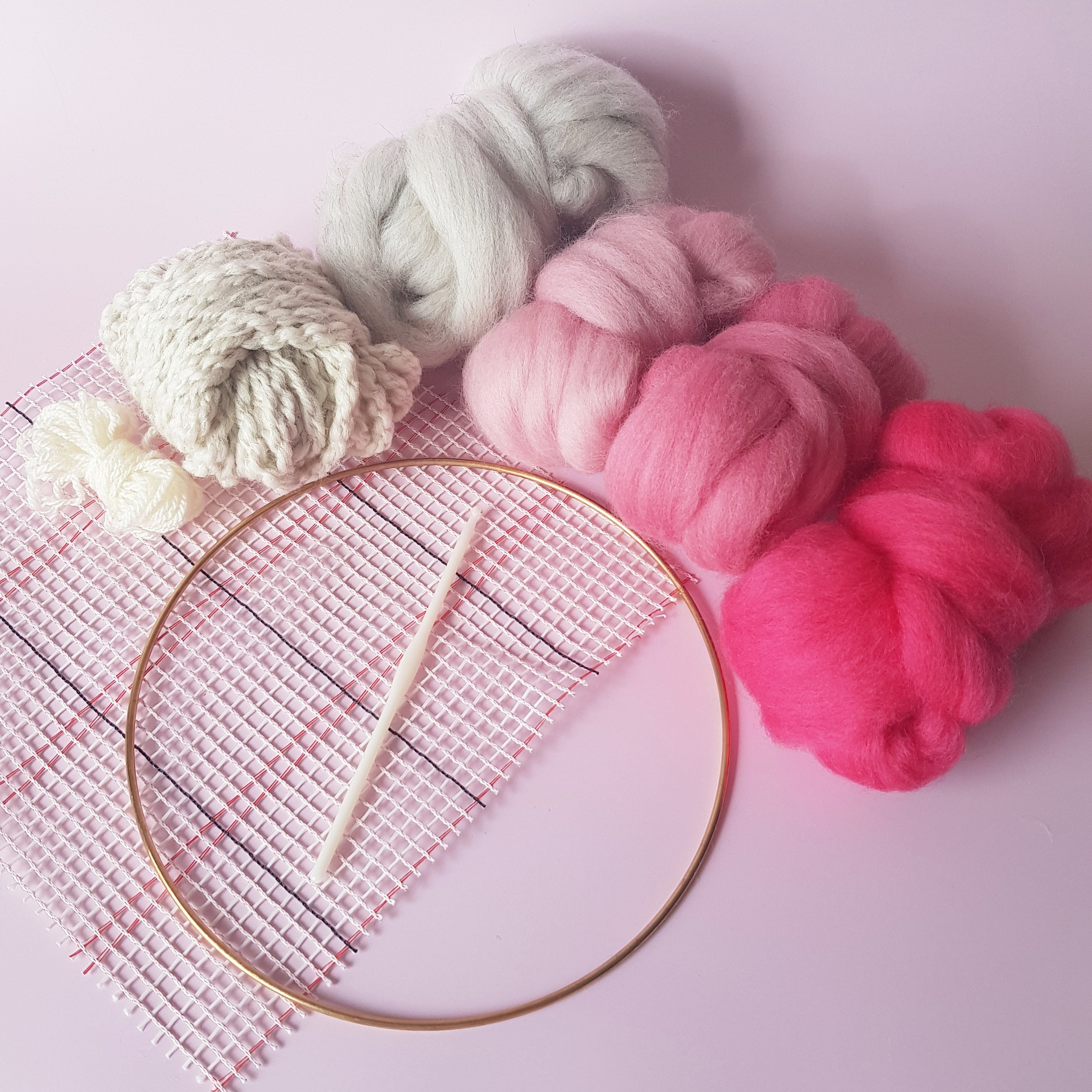 Pink Round Wall Hanging Kit