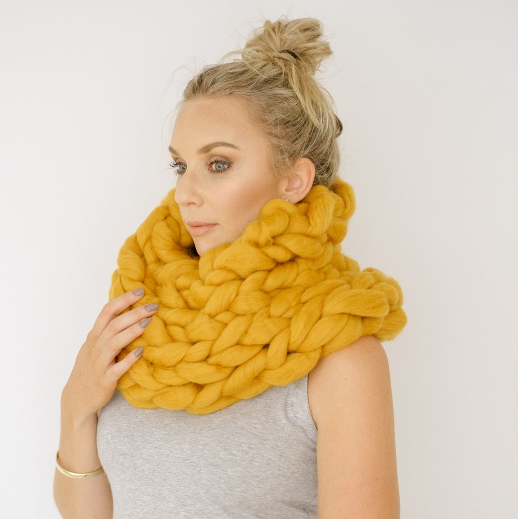 Arm Knit Super Chunky Round Scarf | Giant Fat Wool | HEART from HAZEL