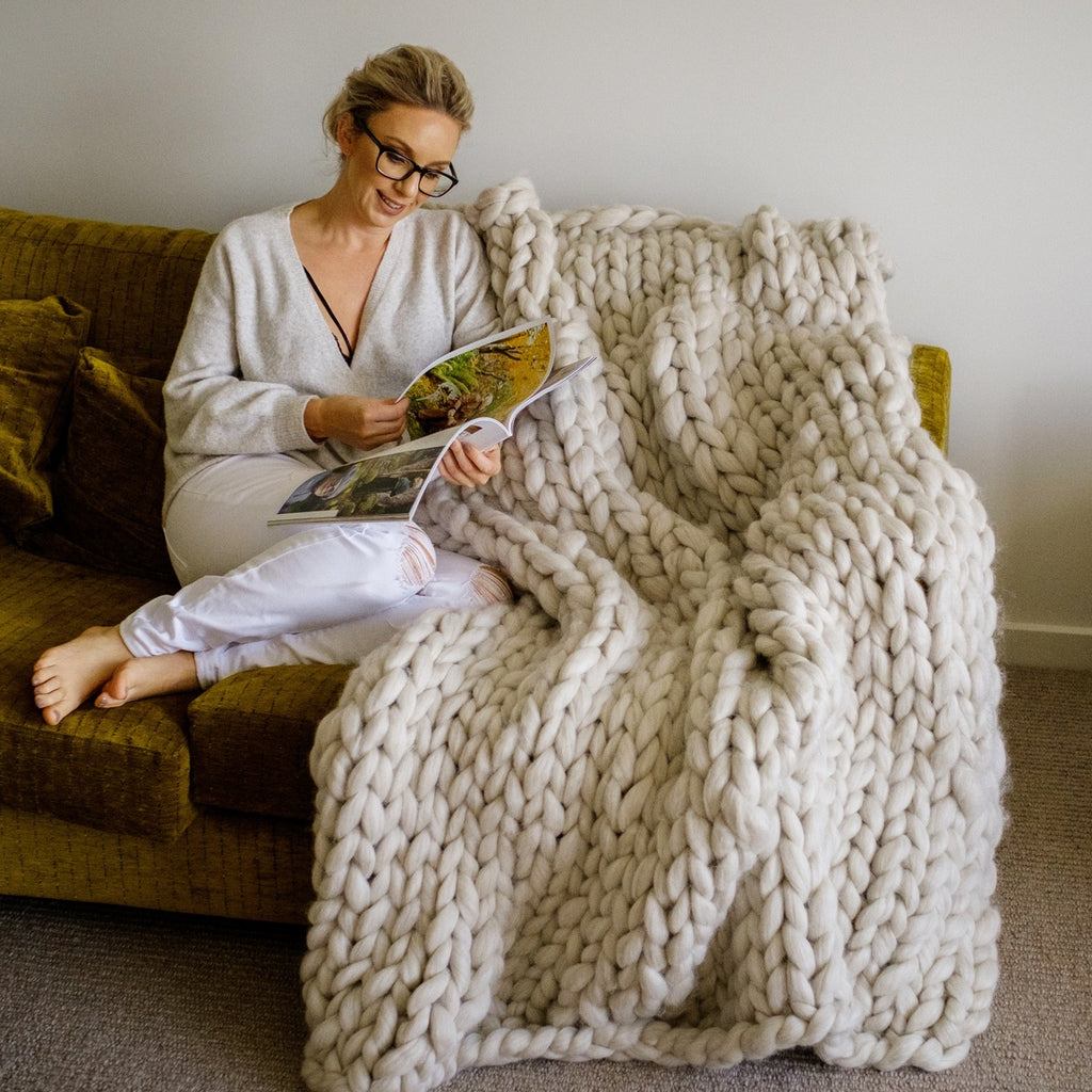 CHUNKY KNIT ARM KNITTING KIT | Giant Fat Oatmeal Wool Roving Tops for Arm Knitting | HEART from HAZEL