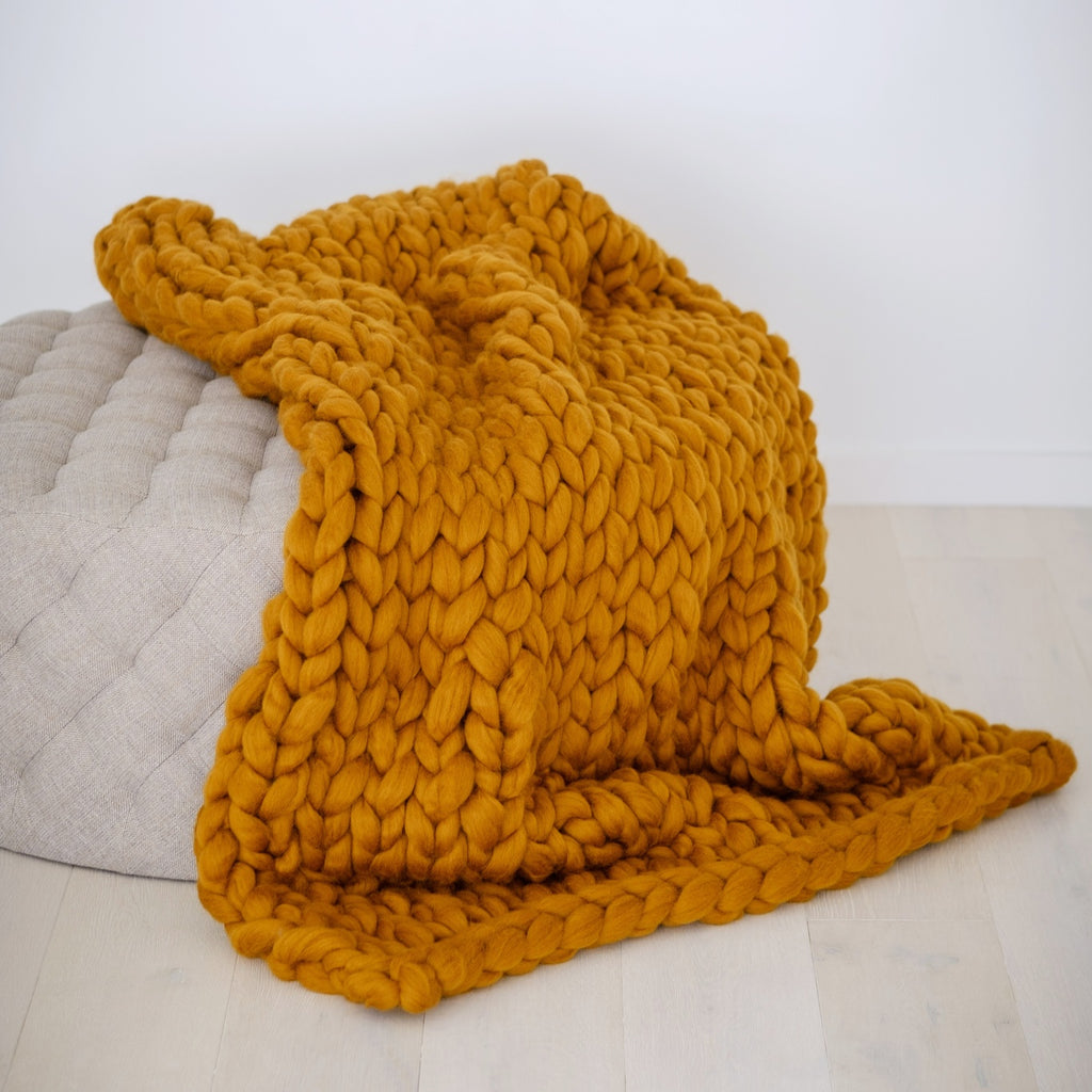 CHUNKY KNIT ARM KNITTING KIT | Giant Fat Rust Wool Roving Tops for Arm Knitting | HEART from HAZEL
