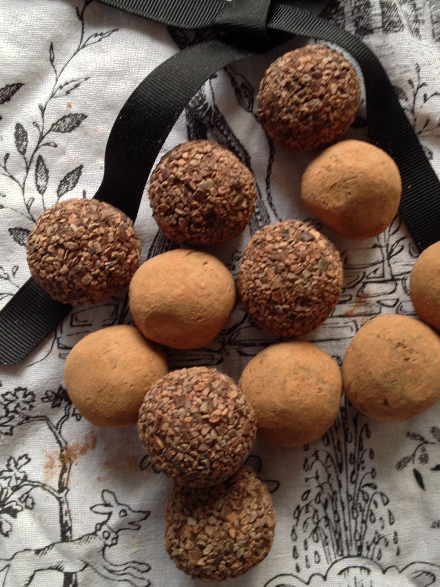 Chocolate Spread and Dark Chocolate Truffles Combo – ChocAlive ...