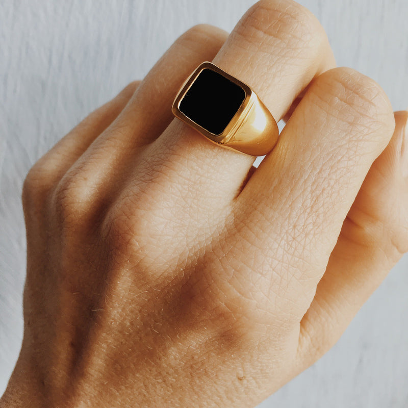 Black Onyx Classic Signet Ring Gold
