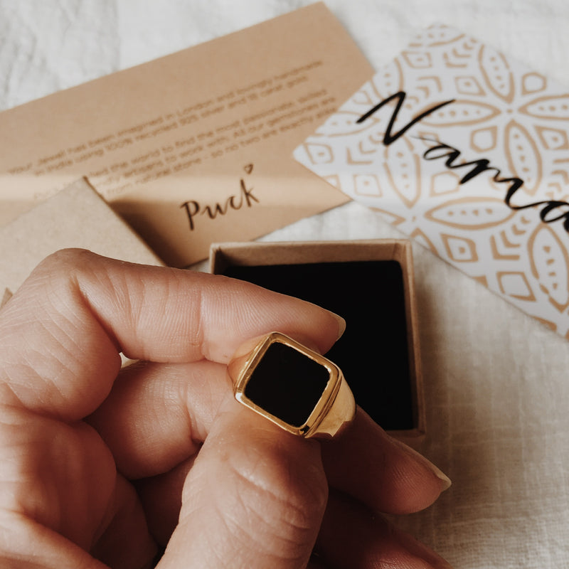 Puck Wanderlust_Gold Black Onyx Signet Ring_Packaging