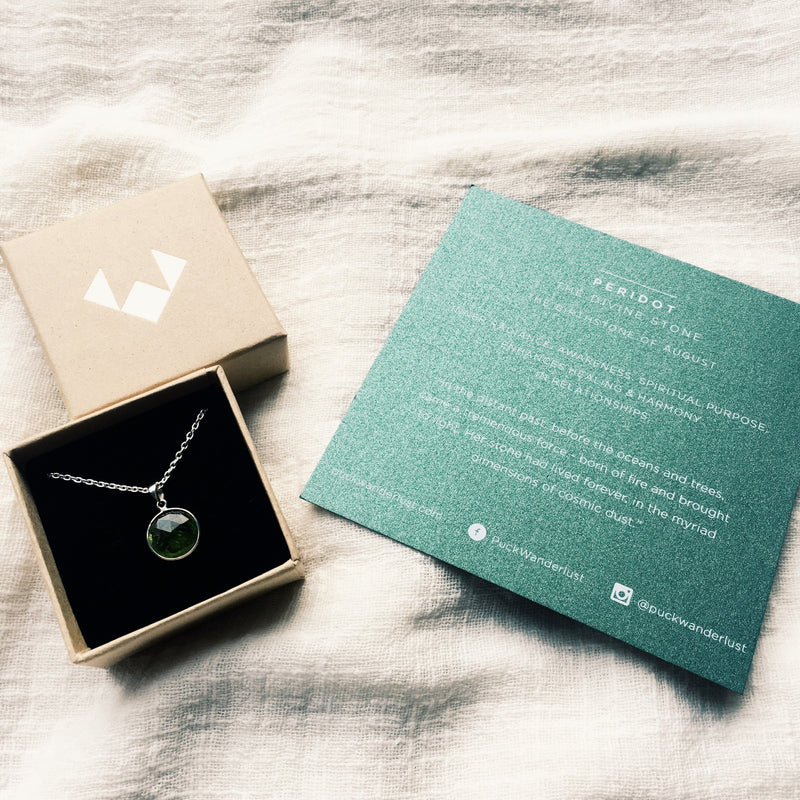 Puck Wanderlust_Silver Peridot Birthstone Charm Necklace Cable Chain_Packaging