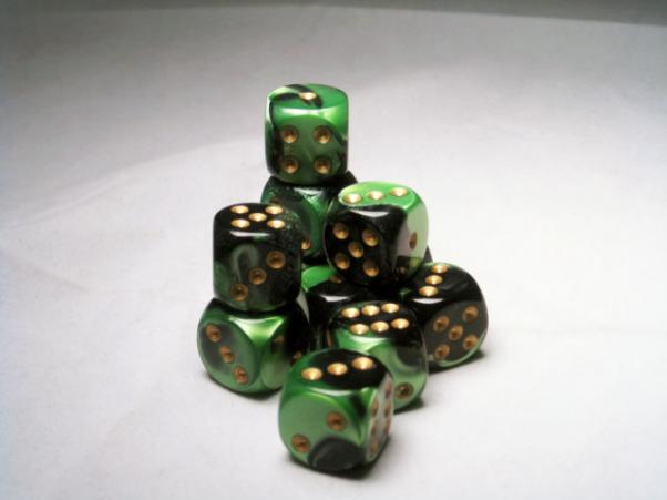Chessex: Gemini 16mm Black-Green/Gold (12)