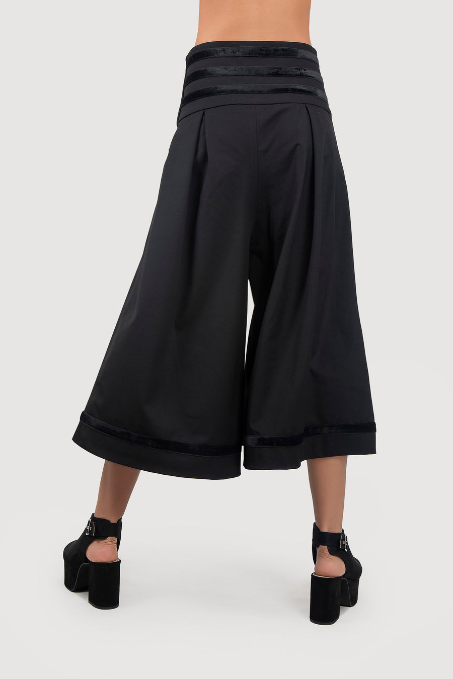 Wide Leg Cropped Pants with Velvet Waist