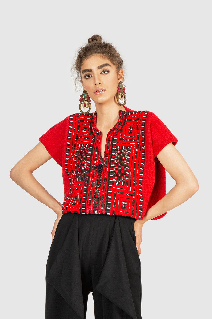Red Top In Mirror Linear Embellishments