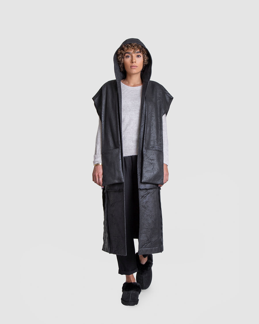 Tall Sleeveless Coat With Hanging Pocket Detail