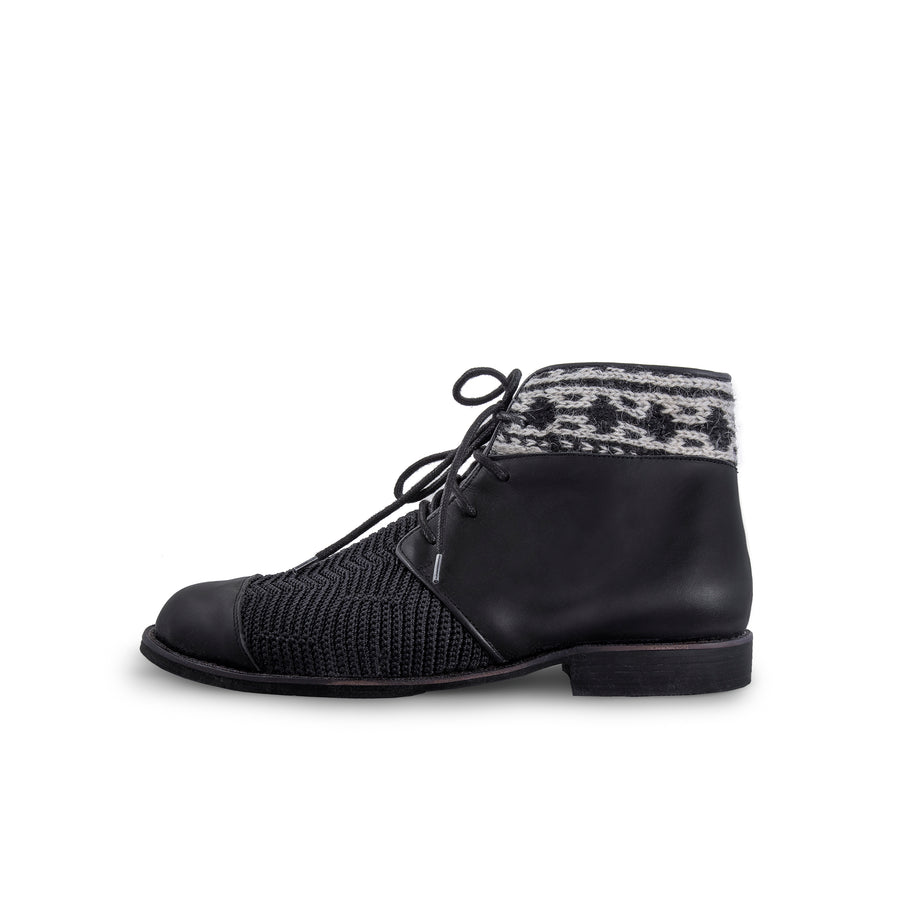 knitted Black & White Boots