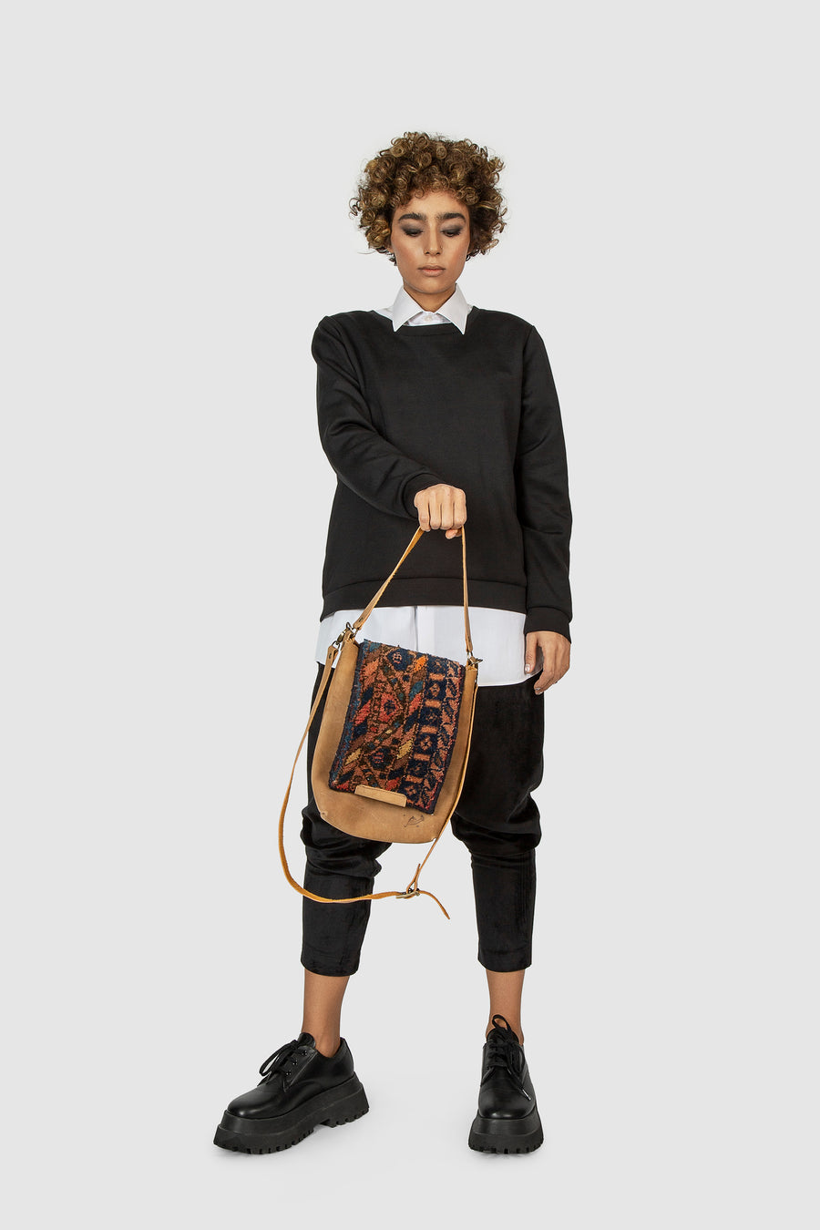 Qashqai Cross body Carpet Bag