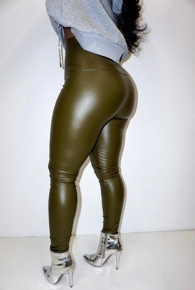 Thick Skin Faux Leather Leggings [Olive]