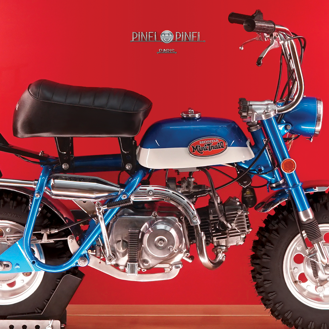 PINEL ET PINEL |  RIDEABLE HONDA MINI BIKE IN A LEATHER BOX