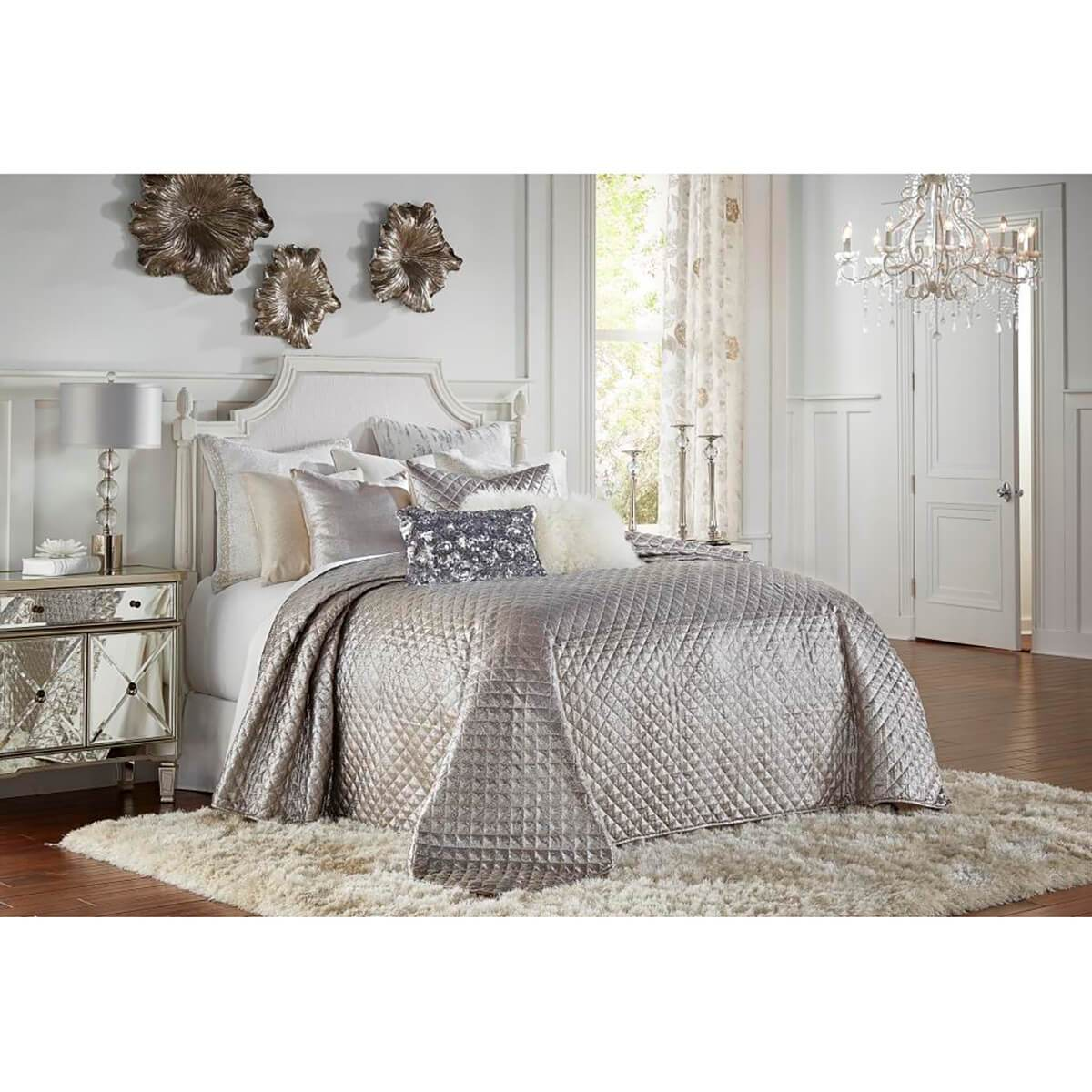 Cloud 9 Aura Quilt Set Metallic Silver High Fashion Home