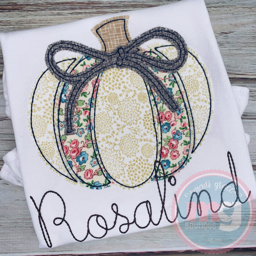 Pumpkin with Bow Design