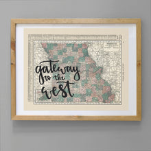 Load image into Gallery viewer, Vintage Missouri State Map Print