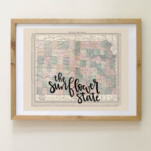 Load image into Gallery viewer, Vintage Kansas State Map Print
