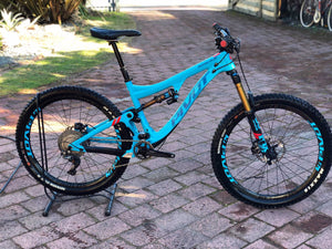 Ex Demo Mach 6 Carbon
