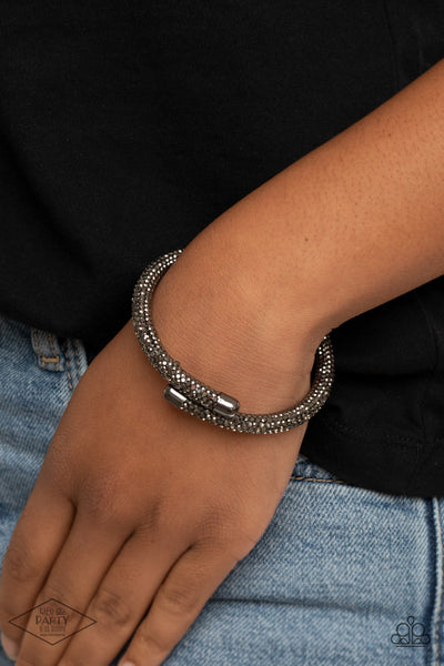 Paparazzi Stageworthy Sparkle - Black Bracelet - A Finishing Touch