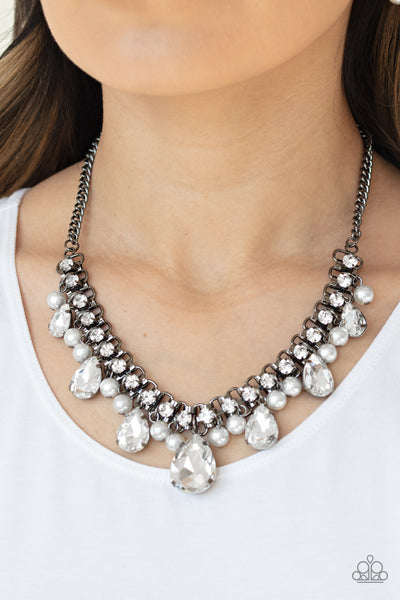 Paparazzi Knockout Queen - Black Necklace - A Finishing Touch