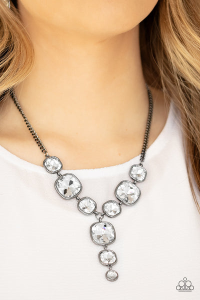 Paparazzi Legendary Luster - Black Necklace - A Finishing Touch