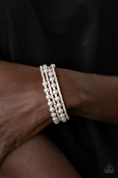 Paparazzi Starry Strut White Pearl/Rhinestone Bracelet - December 2020 Life Of The Party Exclusive - A Finishing Touch