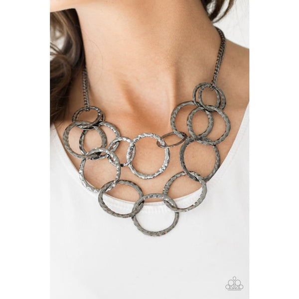 Paparazzi Radiant Ringmaster Black Necklace - A Finishing Touch