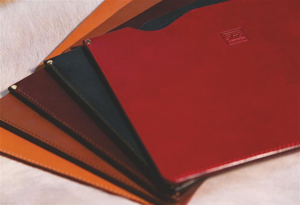 Noble Leather - Laptop Sleeve