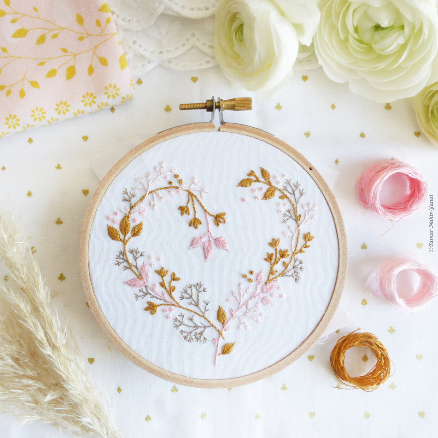 "Wildflowers Heart 4"" Embroidery Kit"