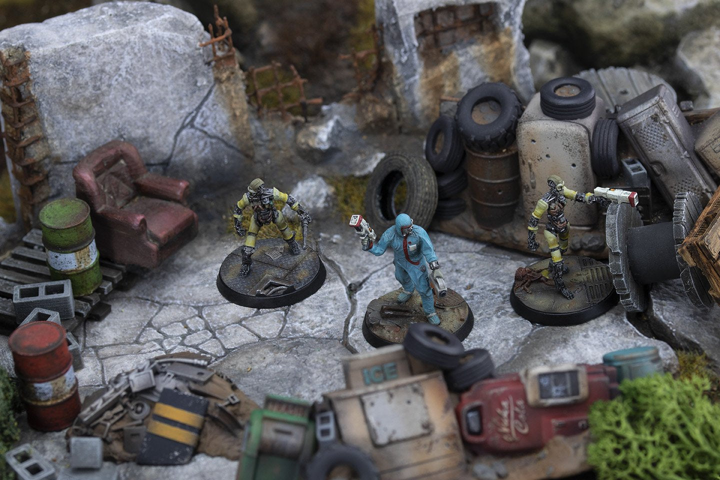 Fallout: Wasteland Warfare Institute VS Survivors Battle Report