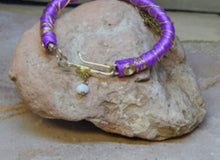 Load image into Gallery viewer, CD0130 Hand Crafted Wire Wrapped Bracelet