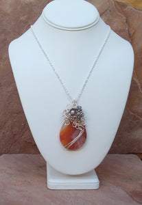 CD0113  Wire-wrapped Druzy Teardrop Agate Necklace
